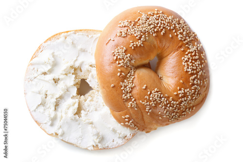 Foto op Canvas Bakkerij bagel with cream cheese isolated on white background