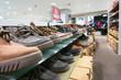Schuhe im Regal - 75052539