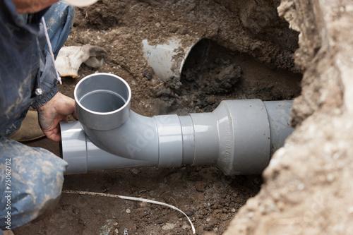 水道工事 下水管の敷設 Poster