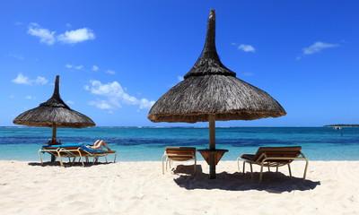 détente sur plage de l'île maurice