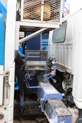 トラッククレーンの操縦レバー