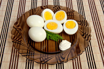 Boiled eggs with mayonnaise and dill