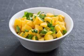 salsa with mango, coriander and curry paste