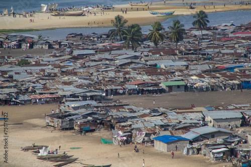 Foto op Aluminium Overige Liberia, Armenviertel von Monrovia