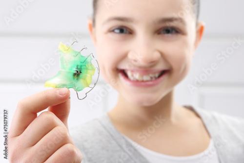 Ortodoncja, piękny uśmiech - 75079737