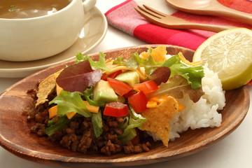 タコライス 沖縄料理