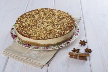 Tarta de turrón y chocolate con crocante de almendra y galleta