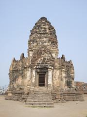 У входа в Ват Пхра Пранг Сам Йот. Лопбури
