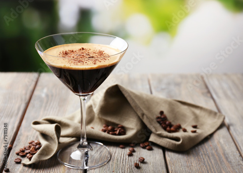 Espresso cocktail served on table - 75111348