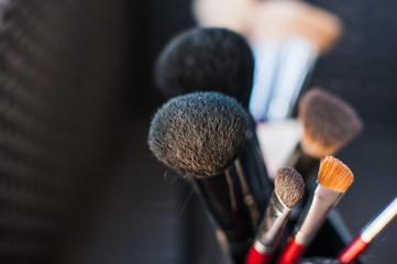 make  make-up