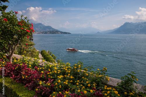 Leinwanddruck Bild view of Lago Maggiore