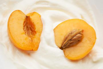 apricots in yogurt