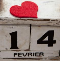 coeur et calendrier date saint Valentin 14 février