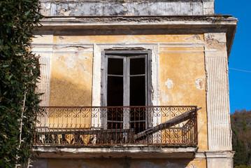 Ruin balcony
