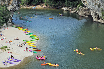 Canoe e canottaggio nelle Gole dell'Ardeche - Rodano Alpi