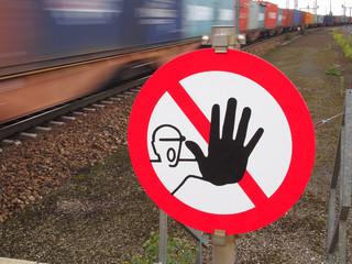 Betreten verboten - Lebensgefahr!