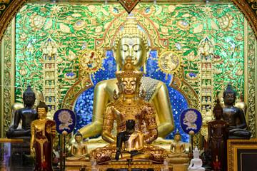 Golden buddha inthe temple