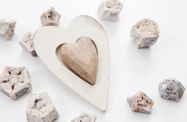 coeur en bois sculpté