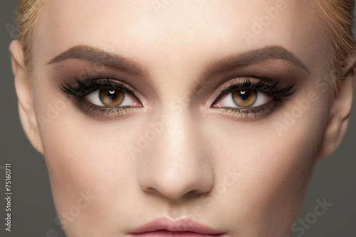 Closeup of eye makeup - 75160711