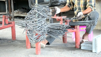 Metalworking Curved or bending steel make Stirrups poles.