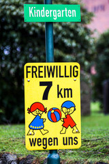 Verkehrsschild Kindergarten