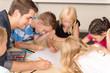 Leinwandbild Motiv Kinder in der Grundschule
