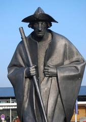 Statue de pèlerin.