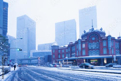 Leinwanddruck Bild 大雪の東京駅丸の内口