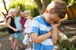 Leinwanddruck Bild - Mobbing auf dem Schulhof