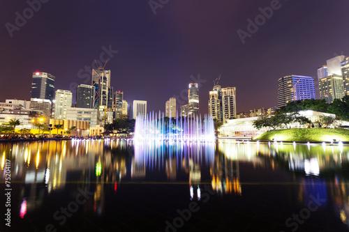 fontanna muzyczna na placu KLCC, Kuala Lumpur