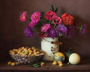 Цветы и сливы