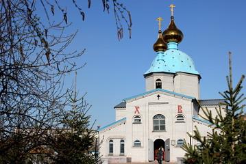 Весна возле Христо-Воскресенской, православной  церкви