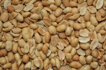 Scattered roasted and salted peanuts