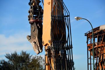 maquinaria industrial para el derrumbe de edificios