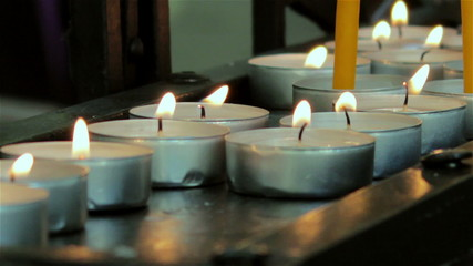 many candles round