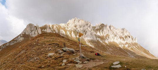 Mountain walking. Passo Colombe e Passo del Sole.