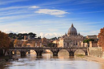 Brücke am Tiber und Petersdom
