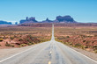 Leinwanddruck Bild - Classic entrance to Monument Valley from Utah