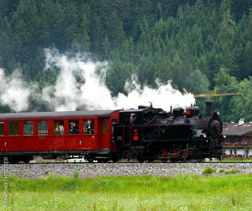 Leinwanddruck Bild Zillertalbahn in den Alpen - Österreich