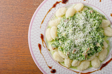 Gnocchi with spinatch