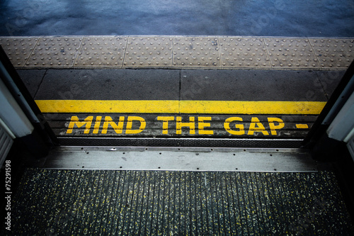Mind the gap - 75291598