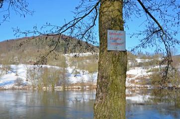 Betreten des Eisfläche verboten