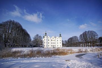 Ahrensburger Schloss im Winter