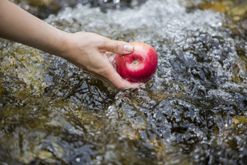 Washing an apple