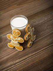 Gingerbread cokies with a glass of milk
