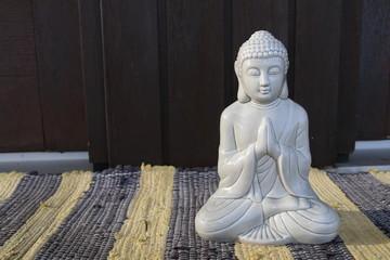 Buddha sitzend