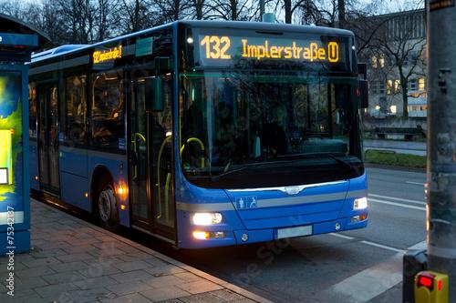 Leinwanddruck Bild Linienbus