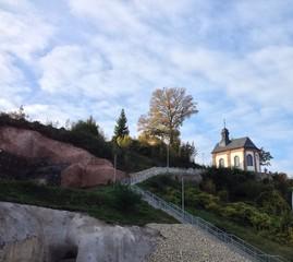 Kleine Kapelle auf dem Berg