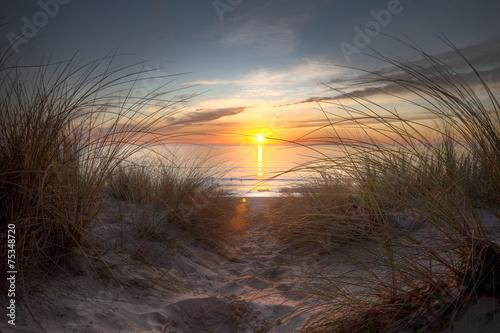 Coucher de soleil sur l'océan atlantique - 75348720