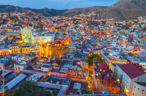 Fotobehang Mexico Guanajuato at night (Mexico)
